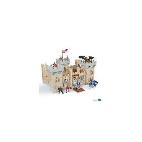 MEDIEVAL - Le château du maître des armes