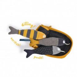 Les Moustaches : boîte à sardines d'activités